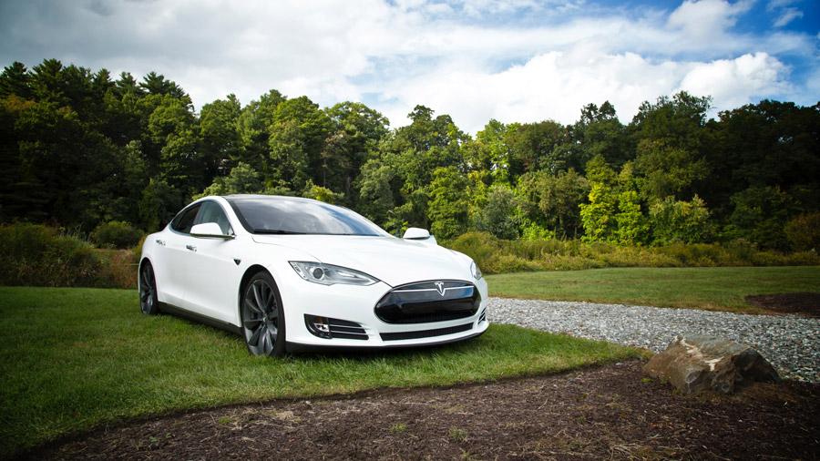 خودروهای الکتریکی؛ خطری دور یا نزدیک برای تولیدکنندگان روانکارها؟